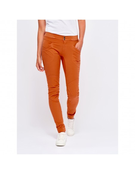 Looking for Wild Woman Technical Pants Layla Peak Candied Orange Onbody Front 2