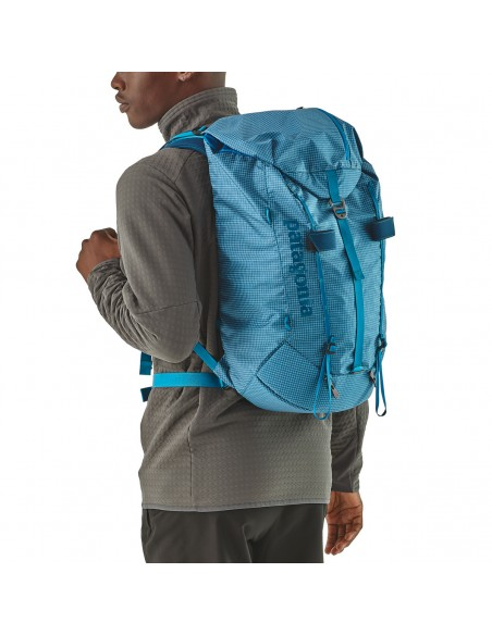 Patagonia Backpack Ascensionist 30L Balkan Blue Onbody 1