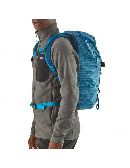 Patagonia Backpack Ascensionist 30L Balkan Blue Onbody 2