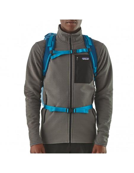 Patagonia Backpack Ascensionist 30L Balkan Blue Onbody 3