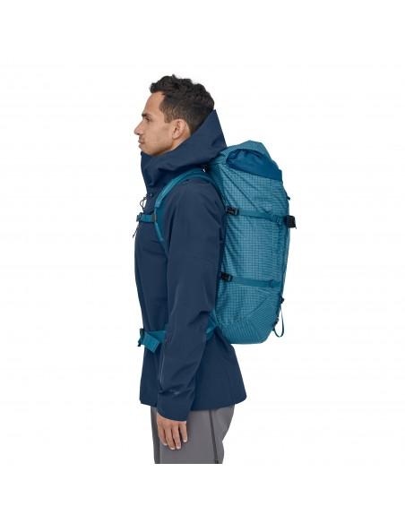 Patagonia Backpack Ascensionist 40L Balkan Blue Onbody 2