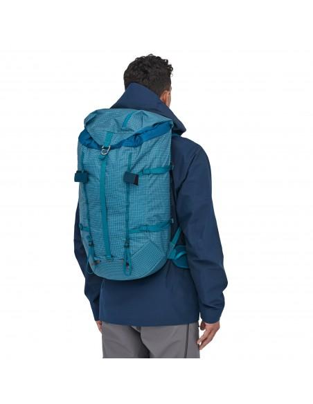 Patagonia Backpack Ascensionist 40L Balkan Blue Onbody 1